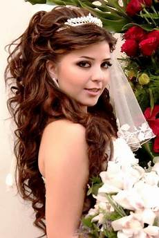 Hair Style Wedding Up Tiara Do Half Curly Hilighted