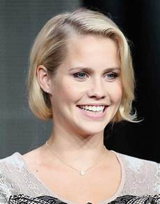 pretty short bob hairstyles with side swept bangs bob hairstyles 2018 short hairstyles for