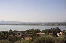 Malvorlagen Landschaften Gratis Ita Umbrien Italien Trasimeno See Cortona Stockbild Bild