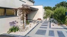 Devant Maison Moderne Trendy Amnagement Paysager Moderne