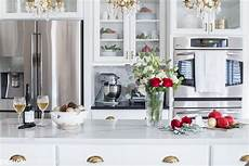 christmas kitchen decor with country elegance