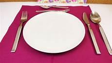 Etikette Benimmregeln Wie Deckt Einen Tisch