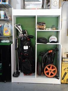 Garage Storage Ideas For Golf Clubs by How To Build A Golf Bag Organizer Wilker Do S Crafts