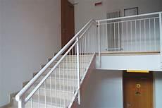 ringhiera per scala esterna parapetti e ringhiere per scale interne ed esterne in