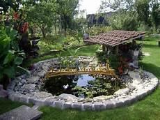 bassin de jardin rond le bassin de jardin de lannee bassins de jardins