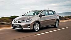 Toyota Auris Review The New Auris Hybrid 2012 2014