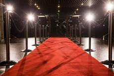 black journalists in entertainment on press carpet