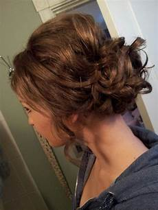 curly brown hair pinned up and teased studniowka polish