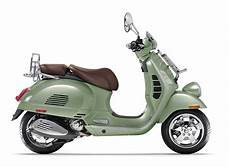 vespa modelle 2017 2017 vespa gtv300i in green the motorcycle shop