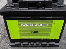 Autobatterie Starterbatterie 12v 44ah 360a Magnet Mid