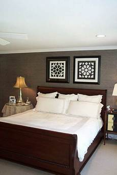 Bedroom Decorating Ideas With Wood Furniture by Wall Color Scheme And Classic Wood Bed
