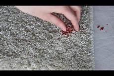 kerzenwachs im teppich so l 228 sst es sich entfernen