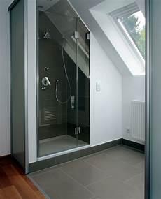 dusche in schräge der dachschr 228 ge ein schnippchen schlagen bad