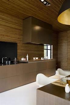 revetement mural metal amazing zen like kitchen with wood slat panelling