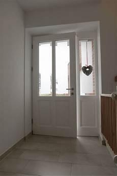 Haustüren Holz Weiß - holz haust 252 r mit altbau charme klassische wei 223 e rahment 252 r