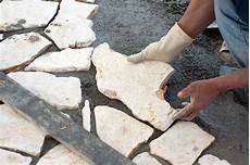 polygonalplatten auf beton verlegen flagstone how to jazz up your landscape with flagstone