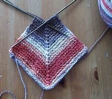 wie streicht eine decke babydecke anleitung patchworkdecke stricken decke stricken anleitung und decke stricken muster