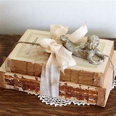 bücher als deko shabby chic book bundle shabby chic accessories shabby