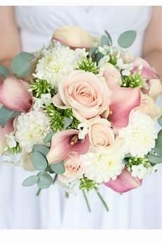 Bouquet De Mari 233 E Fleursbouquet De Pivoines Dans