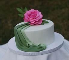 Kuchen Mit Fondant - you to see fondant drape cake on craftsy