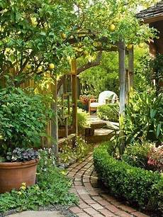 34 beautiful backyard gardens projects you didn t know you