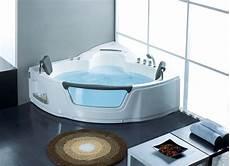 pulizia vasca idromassaggio la vasca idromassaggio arredo bagno scegliere vasca