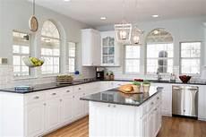 Kitchen Decor Fixer by As Seen On Hgtv S Fixer Stunning Interiors Fixer
