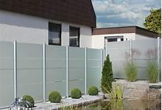 sichtschutz garten aus glas sichtschutzzaun sichtschutz z 228 une aus glas zaunteam