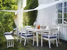 sonnensegel für den garten sonnensegel f 252 r den garten bringen gem 252 tlichkeit und uv