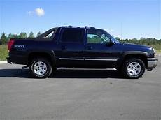 free car manuals to download 2005 chevrolet avalanche 1500 interior lighting sold 2005 chevrolet avalanche lt z71 4x4 145k 1 owner 4 sale www wilsoncountymotors com youtube