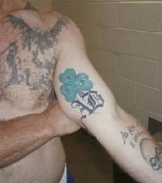 tattoos und ihre bedeutung 13 knast tattoos und ihre bedeutung