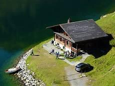 haus in den bergen kaufen kostenloses foto bergh 252 tte holzhaus haus am see