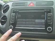 2010 volkswagen tiguan with new touchscreen radio