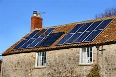 installation panneau solaire maison equiper sa maison de panneaux solaires avantages et