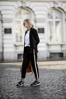 tenue de voyage une tenue chic et confortable pour voyager mode