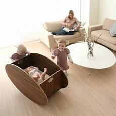 culle di lusso the modern so ro cradle with a forward rocking motion for