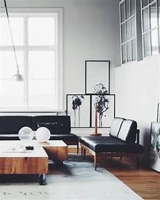 holz im wohnzimmer stilvolle kombination leder und holz im modernen