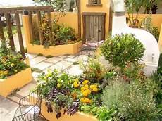 Mediterraner Garten Ideen - how to design a mediterranean garden
