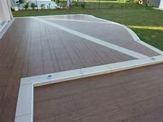 carrelage de terrasse imitation bois carrelage sol salle de bain noir mat terrasse en bois