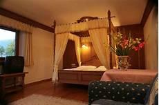 letto a baldacchino prezzi romantica con letto a baldacchino hotel rosengarten
