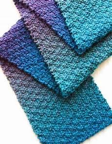 Strickmuster Schal Lochmuster - 9 free scarf patterns in knit or crochet crochet