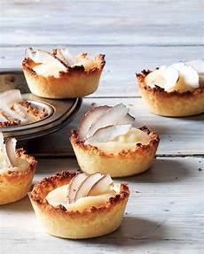 crema con farina di cocco tartellette di cocco con crema di mele alla lavanda ricetta ricette idee alimentari