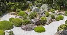 steingarten anlegen ideen steingarten anlegen 20 moderne ideen mit bildern