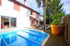 garage de la piscine villa au calme avec piscine agence olaizola location