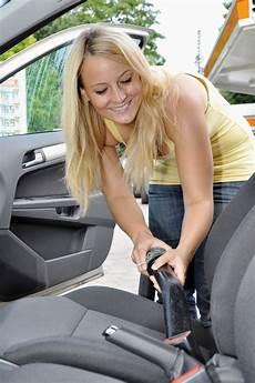 schimmel entfernen autositz autositze richtig reinigen putzen net