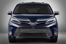 Toyota 2019 Sienna Hybrid Spy Shots