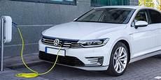 Vw Passat Gte - volkswagen passat gte review carwow