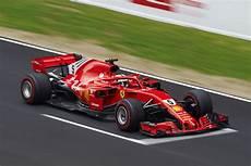 Formel 1 Alle Fahrer Helme Und Autos 2018 Bilder