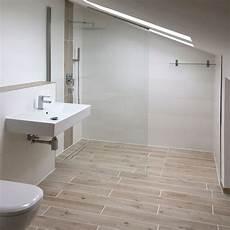 dusche unter dachschräge walk in dusche unter dachschr 228 ge d01260 k badezimmer