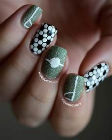 manicurity becausefutbol simple soccer nail art